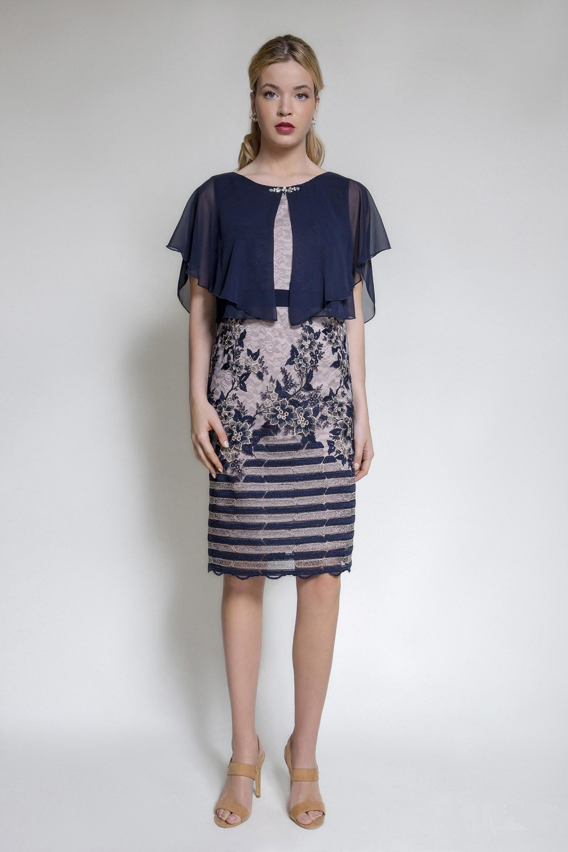 3eb5777883e Φόρεμα δαντέλα με ενσωματωμένη μπέρτα